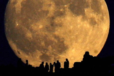 1500_moon_12051