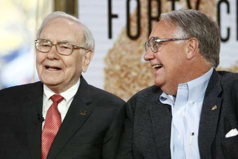 131023-warren-and-howard-buffett