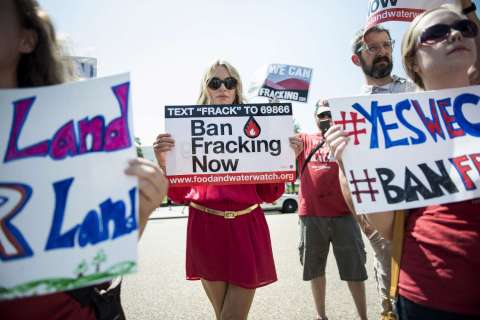 131106-fracking-ban