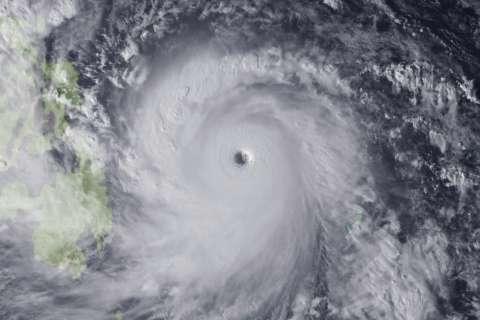131107-typhoon-haiyan