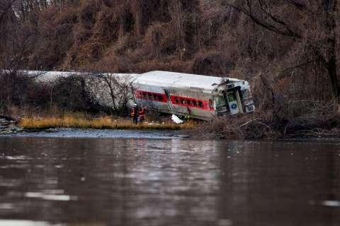 120213-train-crash